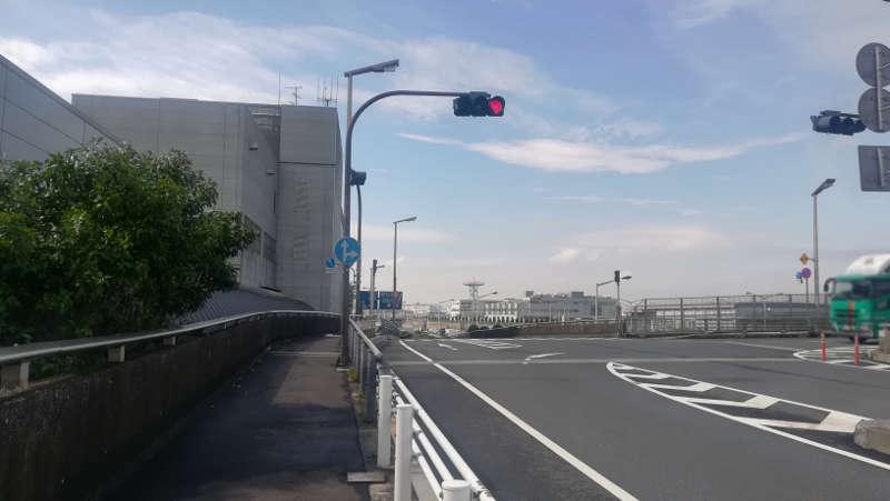 羽田空港 西貨物ターミナル前歩道4