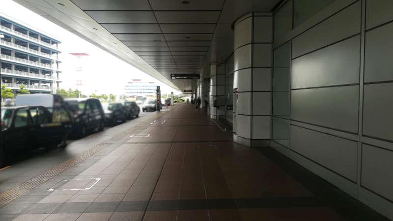 羽田空港 第2ターミナル前