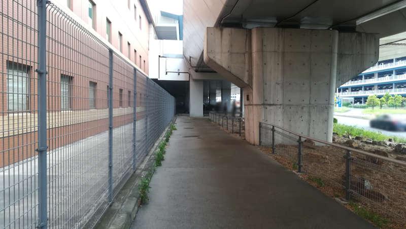 羽田エクセルホテル東急前歩道