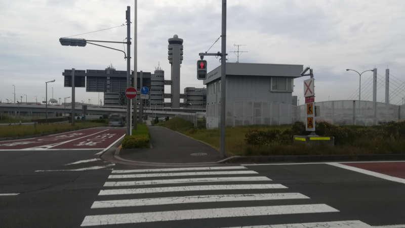 羽田空港 第2旅客ターミナル北ピア前歩道2