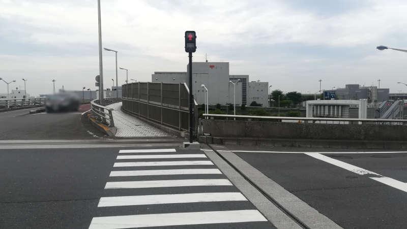 羽田空港 東貨物ターミナル前歩道4