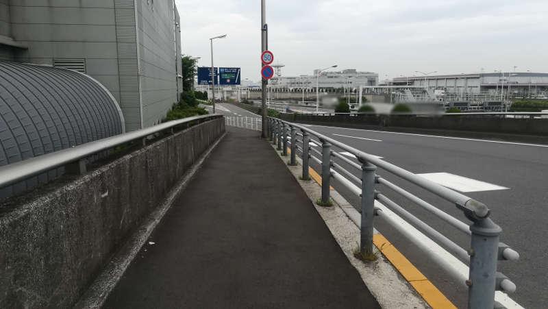 羽田空港 西貨物ターミナル前歩道